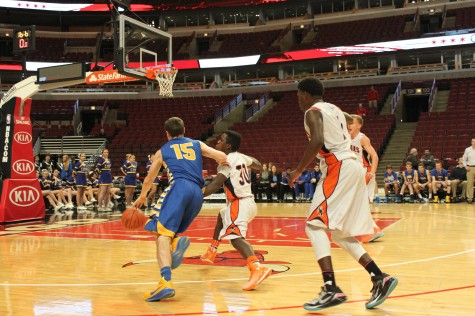 Boys basketball defeats Naperville North at United Center