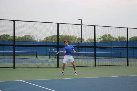 Boys tennis takes on state