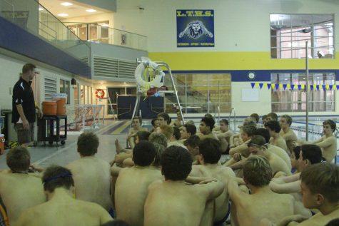 Boys swim and dive begins season