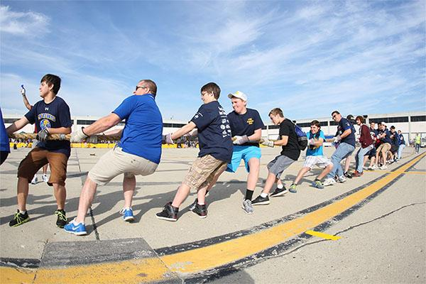 Aviation Club participates in plane pull