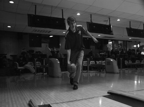 Bowling begins season