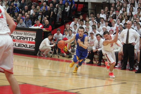 Lyons Basketball falls to Hinsdale Central