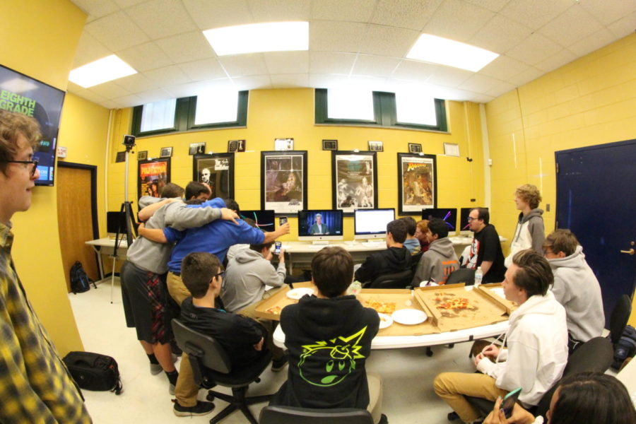 LTTV students and staff nervously watch Tom Bergeron announce the award (Kulat/LION).