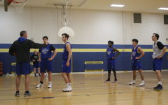 Boys basketball hopes to improve record with experienced roster