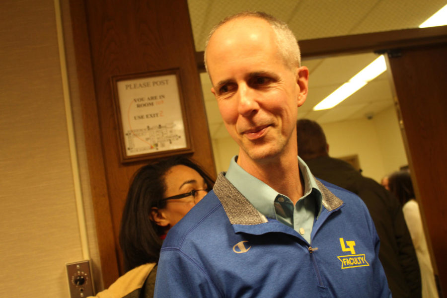 Neil Goldman, above, received the Vita Plena Award for his work in the Special Education Department.  (Lonnroth/LION)
