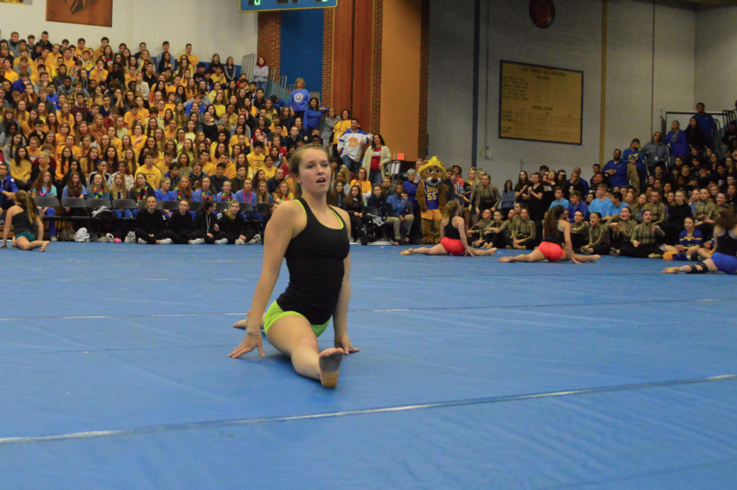 LT+student+does+the+splits+during+the+18th+annual+All-school+Assembly.