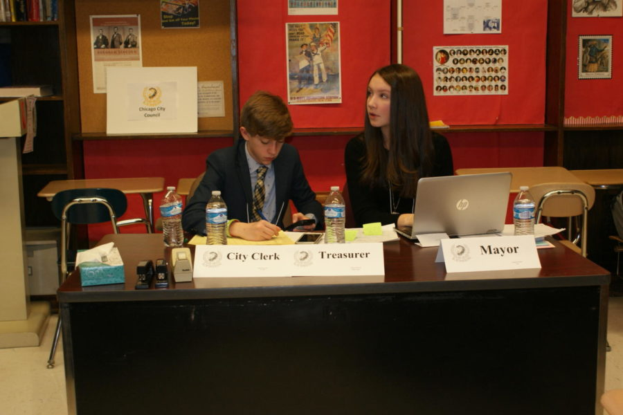 Students moderate a room at LYMUN 2019. (Bonfiglio/LION)