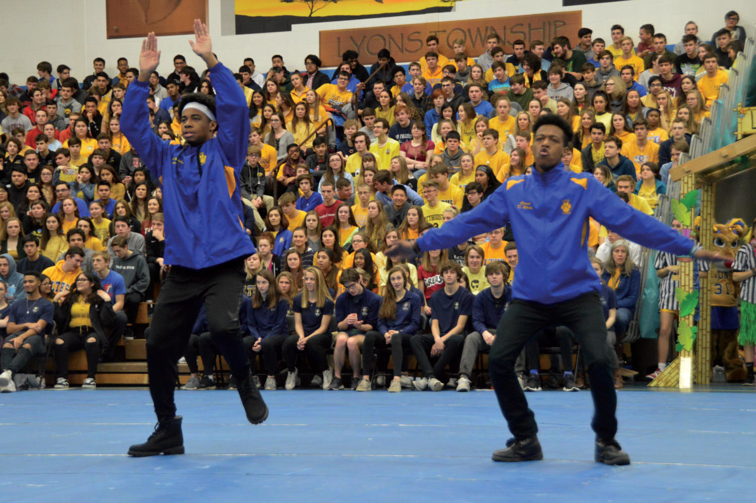LT+Steppers+provide+musical+entertainment+through+an+engaging+and+interactive+routine.