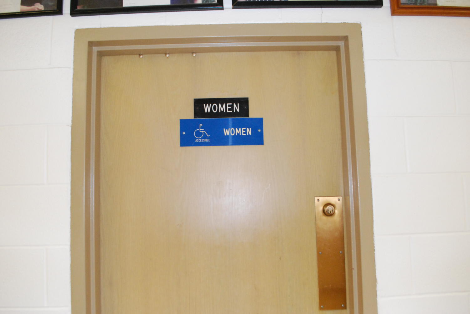 The door to the bathroom where the incident took place (Makovic/LION).
