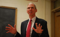 Congressman visits the new Investment Club