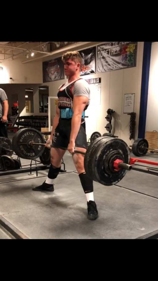 Johnson deadlifts at practice (courtesy of Johnson).