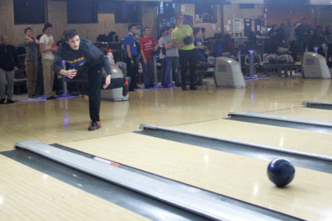 Bowling strives for strike season