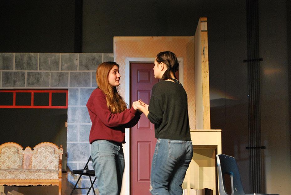 Sophia Joyce '22 and Kate Paras act in Steel Magnolia (Joyner/LION).