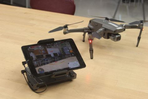 Unmanned aircraft systems like these are used in classroom for practice (Serrano/LION).