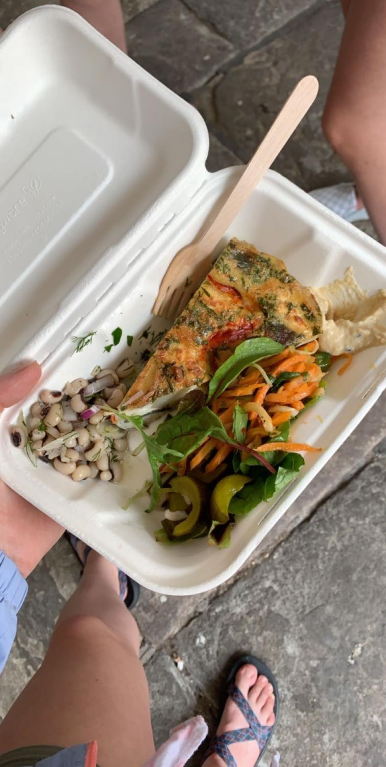 This plate of food from a cafe in Bath, England shows a balanced meal as it contains vegetables, carbohydrates, protein and healthy fats. It proves that it is possible to easily find healthy meal options anywhere you are (Makovic/LION).