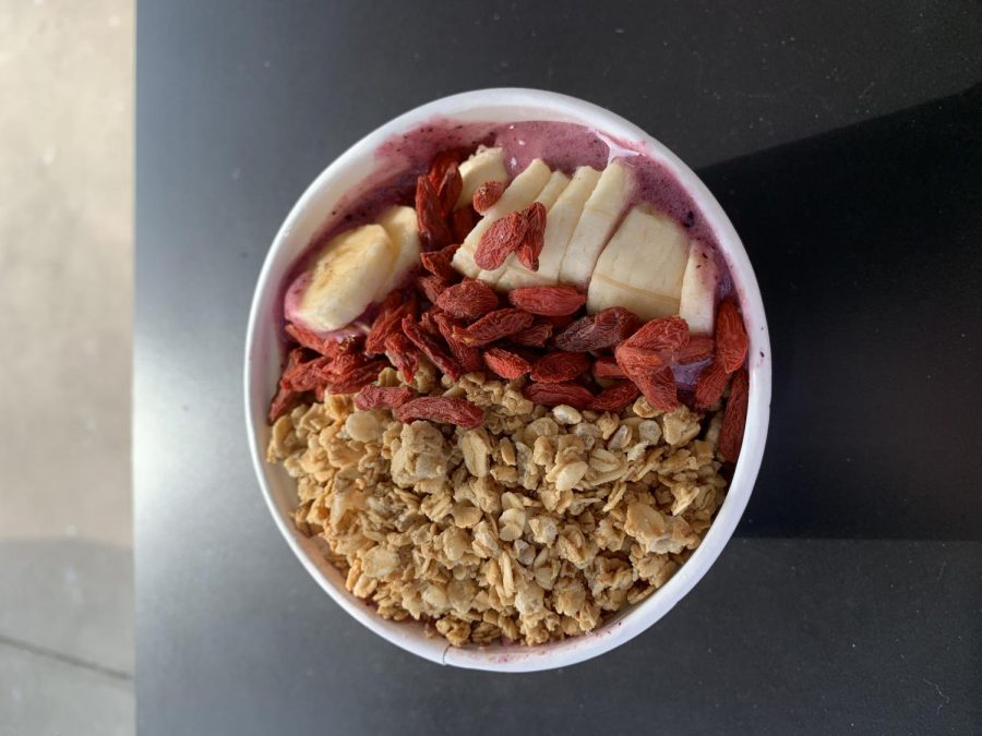 Smoothie+bowl+from+Green+Juice+%28McCormick%2FLION%29.+
