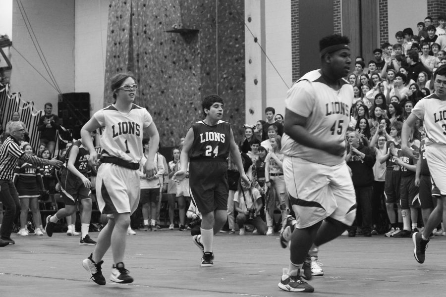 LT Special Olympics basketball teams compete at All-school Assembly on Jan. 24 (Sorice/LION).