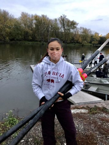 Charlotte Sands at rowing practice on Des Plaines River in Lemont on 10/26/20. (Fry/LION)