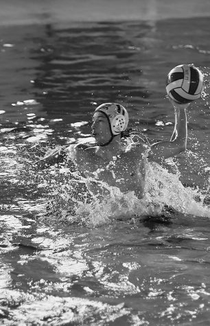 Boys water polo trains for late season