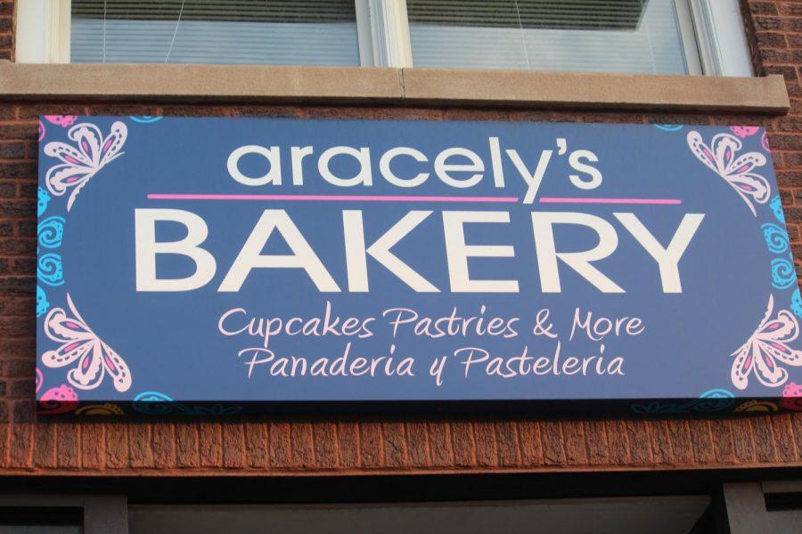 Aracelys La Grange store front (Mosqueda/LION).
